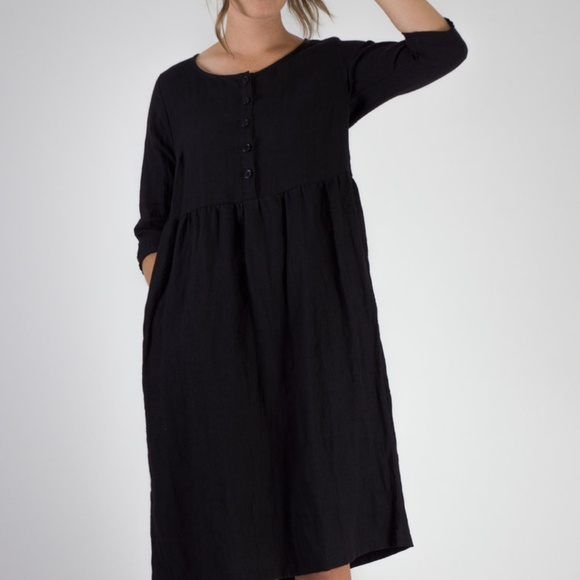 29e0ccac30 Pyne and Smith MODEL NO.12 BLACK LINEN Dress XS. M 5b6e2145df03072d34602cee